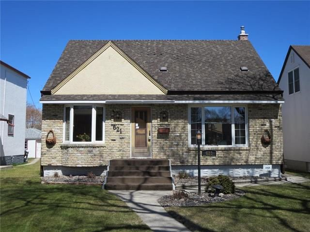 Immaculate 1.5 Storey 3 Br. 1,232 sq.ft Full Finished Bsmt.