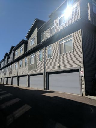 Photo 2: 7503 Getty Gate in Edmonton: Townhouse for rent