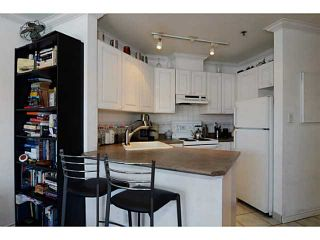"Photo 7: 304 2025 STEPHENS Street in Vancouver: Kitsilano Condo for sale in ""STEPHEN'S COURT"" (Vancouver West)  : MLS®# V1069084"