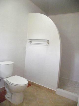Photo 11: House near Coronado only $149,900