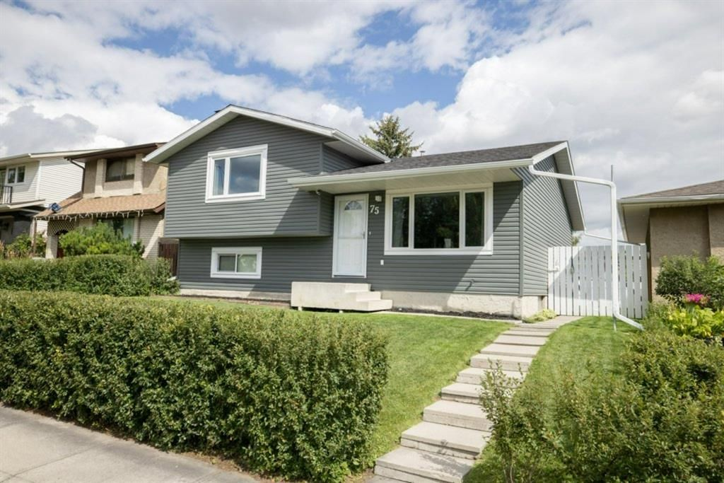 Main Photo: 75 Ogmoor Crescent SE in Calgary: Ogden Detached for sale : MLS®# A1140497
