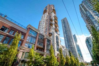 "Main Photo: 1288 RICHARDS Street in Vancouver: Yaletown Townhouse for sale in ""THE GRACE"" (Vancouver West)  : MLS®# R2536888"