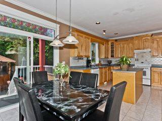 Photo 5: 6461 189TH Street in Surrey: Cloverdale BC House for sale (Cloverdale)  : MLS®# F1218562