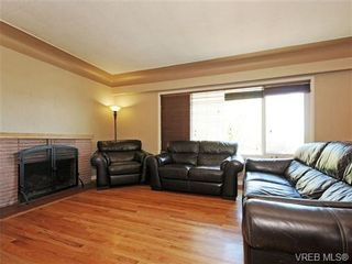Photo 2: 3660 Tillicum Rd in VICTORIA: SW Tillicum House for sale (Saanich West)  : MLS®# 710319