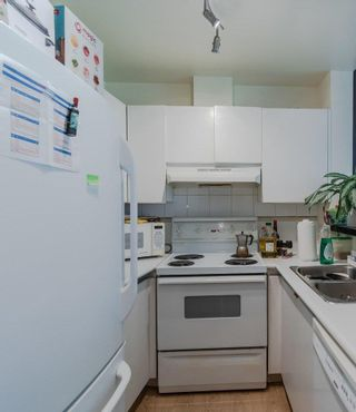 """Photo 15: 301 989 NELSON Street in Vancouver: Downtown VW Condo for sale in """"Electra"""" (Vancouver West)  : MLS®# R2568034"""
