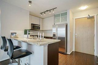"Photo 5: 1001 2289 YUKON Crescent in Burnaby: Brentwood Park Condo for sale in ""WATERCOLOURS"" (Burnaby North)  : MLS®# R2228233"