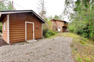 "Photo 3: 9854 WESCAN Road in Halfmoon Bay: Halfmn Bay Secret Cv Redroofs House for sale in ""Secret Cove"" (Sunshine Coast)  : MLS®# R2528876"