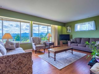 Photo 3: 561 Washington Cres in COURTENAY: CV Courtenay East House for sale (Comox Valley)  : MLS®# 816449