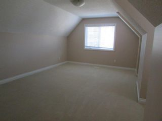 Photo 9: 1197 Hollands Way in Edmonton: House for rent