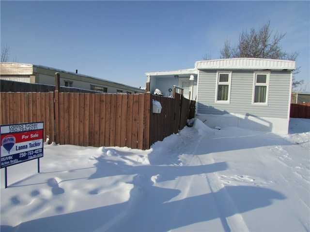 """Main Photo: 11 8420 ALASKA Road in Fort St. John: Fort St. John - City SE Manufactured Home for sale in """"PEACE COUNTRY MOBILE HOME PARK"""" (Fort St. John (Zone 60))  : MLS®# N232167"""