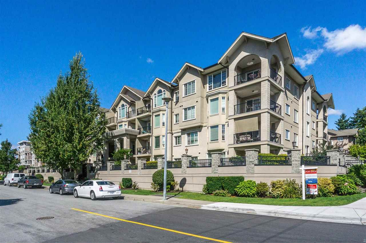 Main Photo: 409 20281 53A AVENUE in : Langley City Condo for sale : MLS®# R2236328