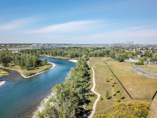 Photo 5: 6 Riverview Landing SE in Calgary: Riverbend Multi Family for sale : MLS®# A1051903