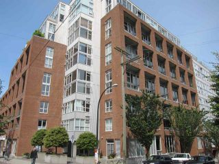 """Photo 1: 428 289 ALEXANDER Street in Vancouver: Hastings Condo for sale in """"THE EDGE"""" (Vancouver East)  : MLS®# R2079369"""