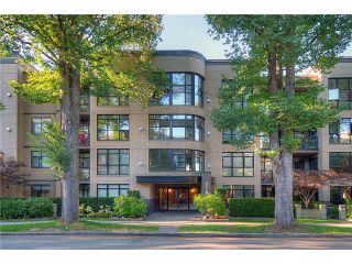 """Photo 1: 110 2181 W 10TH Avenue in Vancouver: Kitsilano Condo for sale in """"THE TENTH AVE"""" (Vancouver West)  : MLS®# V844401"""