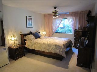 """Photo 6: 204 327 W 2ND Street in North Vancouver: Lower Lonsdale Condo for sale in """"Somerset Manor"""" : MLS®# V847989"""