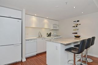 """Photo 5: 2727 PRINCE EDWARD Street in Vancouver: Mount Pleasant VE Townhouse for sale in """"UNO"""" (Vancouver East)  : MLS®# V1122910"""