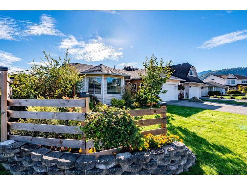 Main Photo: 5996 DEERFIELD Crescent in Chilliwack: Vedder S Watson-Promontory House for sale (Sardis)  : MLS®# R2620190