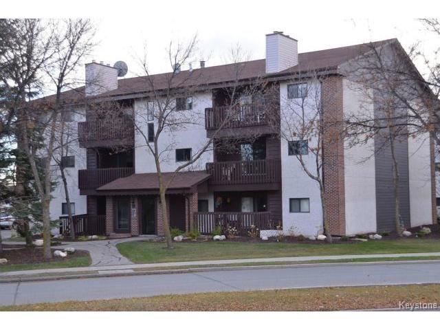Main Photo: 32 Novavista Drive in WINNIPEG: St Vital Condominium for sale (South East Winnipeg)  : MLS®# 1323871