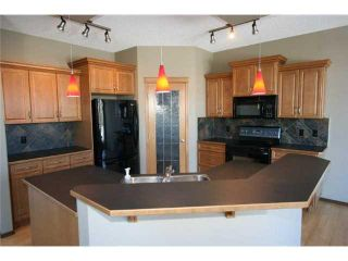 Photo 8: 112 VALLEY CREEK Crescent NW in CALGARY: Valley Ridge Residential Detached Single Family for sale (Calgary)  : MLS®# C3606645