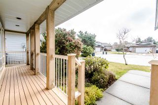 Photo 3: 15107 19A Street in Surrey: Sunnyside Park Surrey House for sale (South Surrey White Rock)  : MLS®# R2532512