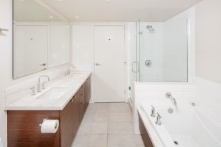 """Photo 15: 404 5958 IONA Drive in Vancouver: University VW Condo for sale in """"ARGYLL HOUSE EAST"""" (Vancouver West)  : MLS®# R2363675"""