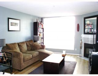 Photo 5: 204 2485 ATKINS Avenue in Port_Coquitlam: Central Pt Coquitlam Condo for sale (Port Coquitlam)  : MLS®# V763152