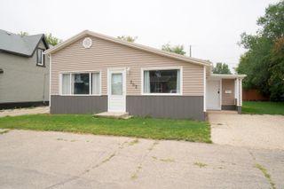 Photo 2: 202 6th Ave NE in Portage la Prairie: House for sale : MLS®# 202119392