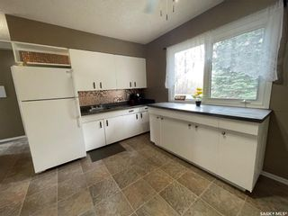 Photo 5: 410 Centre Street in Middle Lake: Residential for sale : MLS®# SK854846