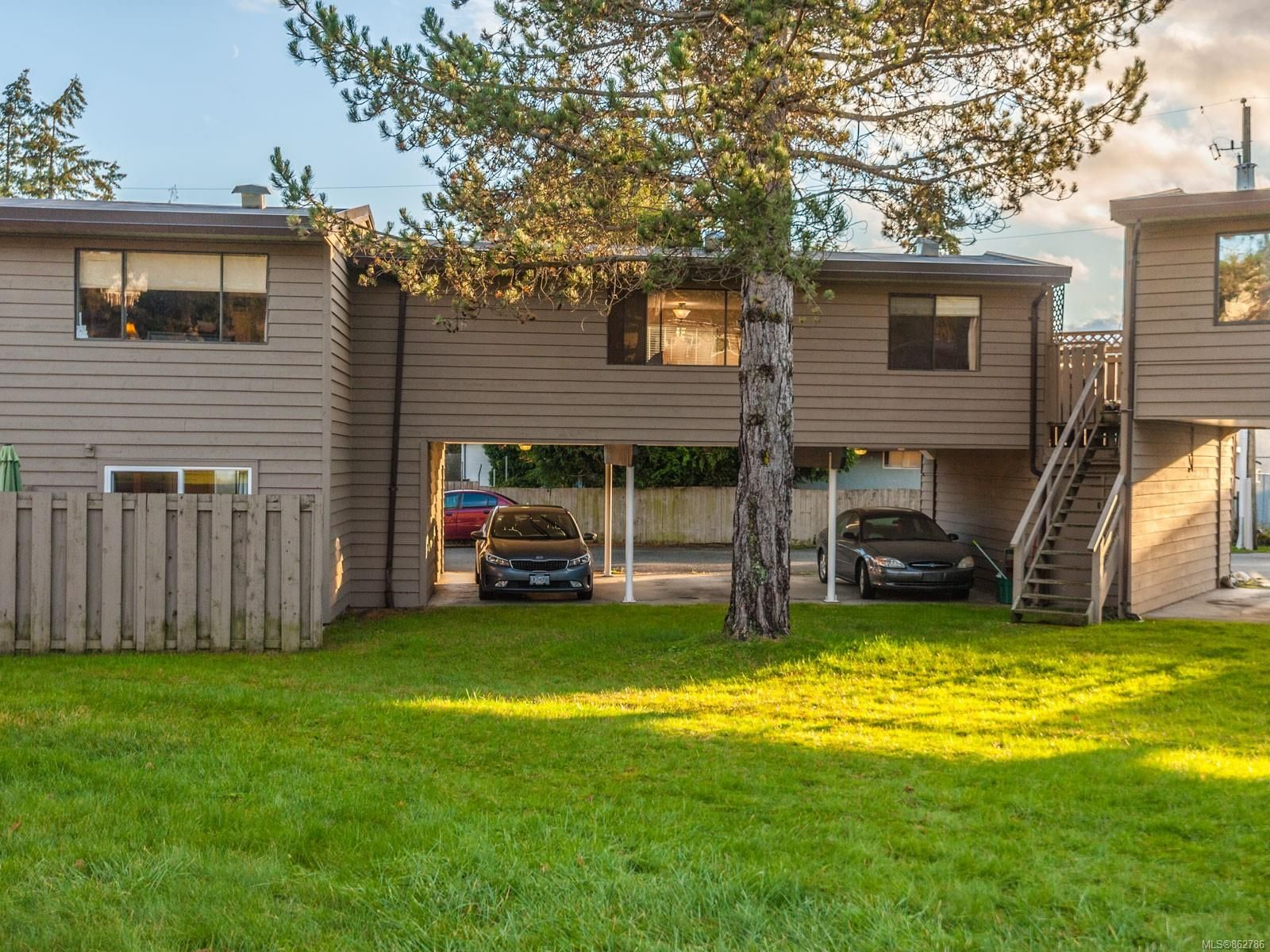 Main Photo: 31 25 Pryde Ave in : Na Central Nanaimo Row/Townhouse for sale (Nanaimo)  : MLS®# 862786