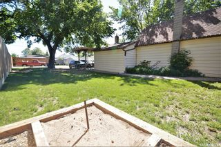 Photo 3: 1013 Athabasca Street East in Moose Jaw: Hillcrest MJ Residential for sale : MLS®# SK859686