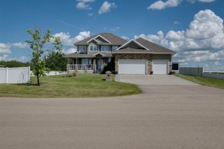 Photo 2: 101 NORTHVIEW Crescent: Rural Sturgeon County House for sale : MLS®# E4227011