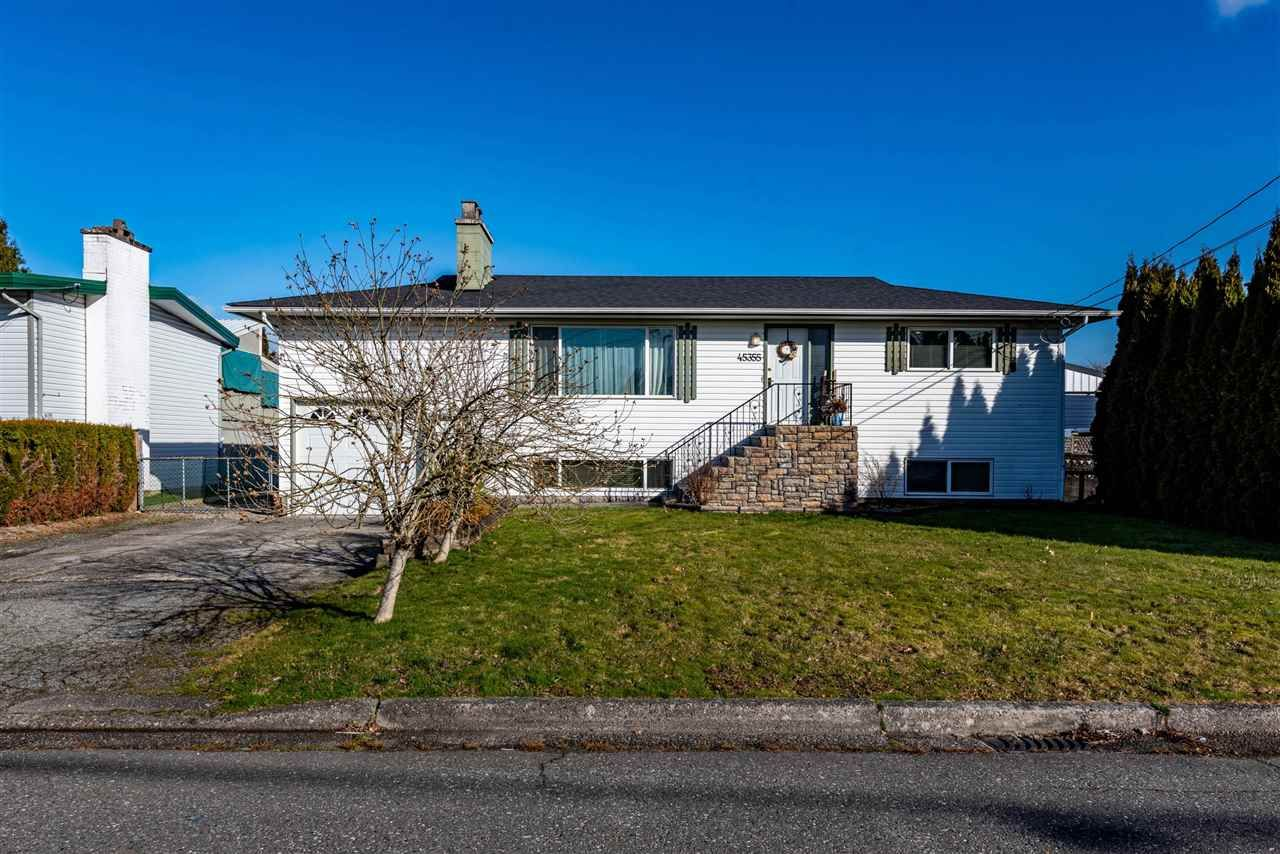 Main Photo: 45355 WESTVIEW Avenue in Chilliwack: Chilliwack W Young-Well House for sale : MLS®# R2542911