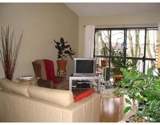 Photo 3: 303 1515 E 5TH Ave in Vancouver: Grandview VE Condo for sale (Vancouver East)  : MLS®# V636587