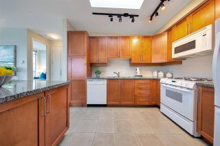 """Photo 5: 704 2655 CRANBERRY Drive in Vancouver: Kitsilano Condo for sale in """"NEW YORKER"""" (Vancouver West)  : MLS®# R2579388"""