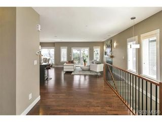 Photo 6: 3 2319 Chilco Rd in VICTORIA: VR Six Mile Row/Townhouse for sale (View Royal)  : MLS®# 728058