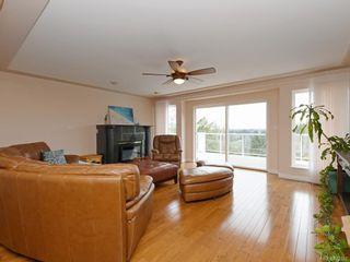 Photo 5: 4385 Wildflower Lane in : SE Broadmead House for sale (Saanich East)  : MLS®# 872387