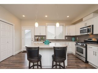 """Photo 8: 21091 79A Avenue in Langley: Willoughby Heights Condo for sale in """"Yorkton South"""" : MLS®# R2252782"""