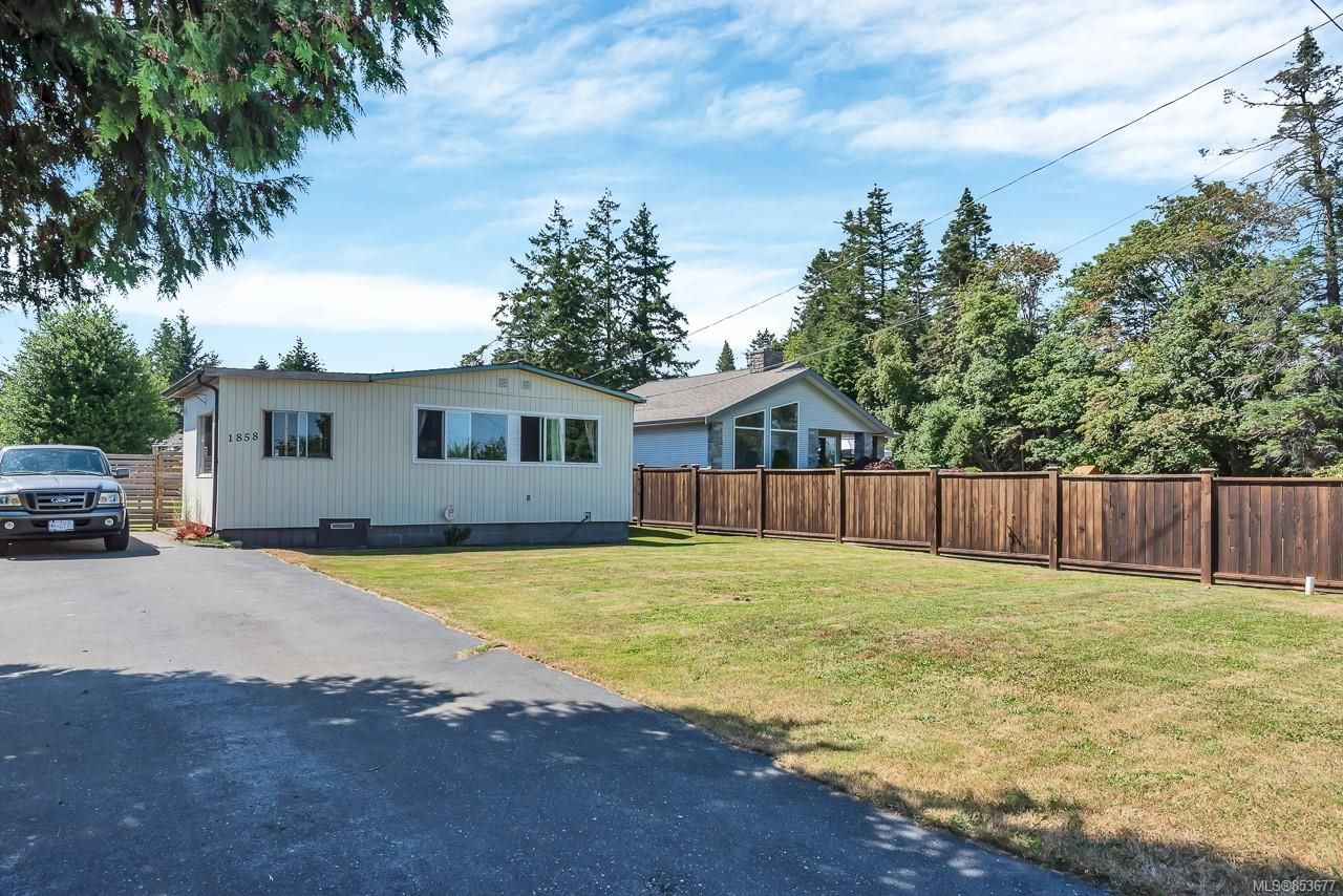 Main Photo: 1858 Nunns Rd in : CR Willow Point Manufactured Home for sale (Campbell River)  : MLS®# 853677