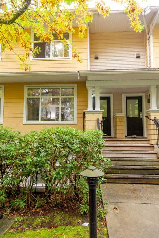 "Photo 2: 8 6878 SOUTHPOINT Drive in Burnaby: South Slope Townhouse for sale in ""CORTINA"" (Burnaby South)  : MLS®# R2510279"