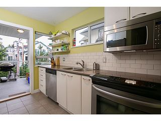 Photo 3: # 302 728 W 14TH AV in Vancouver: Fairview VW Condo for sale (Vancouver West)  : MLS®# V1007299