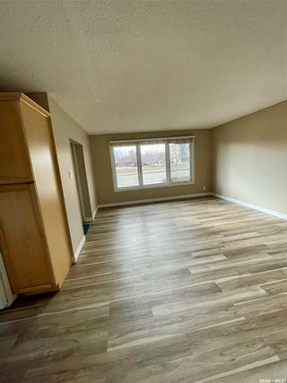 Photo 3: 103 BROAD Street in Regina: Churchill Downs Residential for sale : MLS®# SK848750