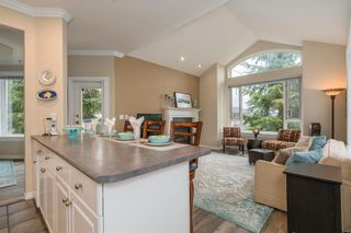 Photo 6: 206 3280 PLATEAU BOULEVARD in Coquitlam: Westwood Plateau Home for sale ()  : MLS®# R2254995