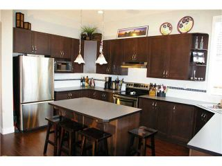 """Photo 2: 19485 THORBURN Way in Pitt Meadows: South Meadows House for sale in """"RIVERS EDGE"""" : MLS®# V991085"""