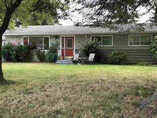 Photo 2: 7413 LEARY Crescent in Sardis: Sardis West Vedder Rd House for sale : MLS®# R2397049