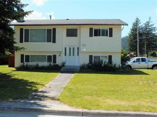 Photo 1: 510 5TH Avenue in Hope: Hope Center House for sale : MLS®# R2355751
