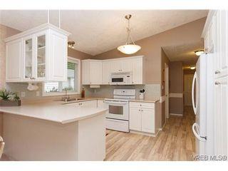 Photo 10: 97 7570 Tetayut Rd in SAANICHTON: CS Hawthorne Manufactured Home for sale (Central Saanich)  : MLS®# 636903