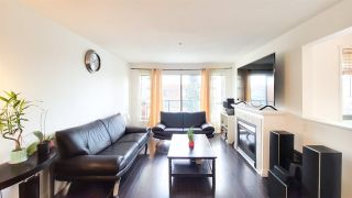"""Photo 3: PH5 223 MOUNTAIN HIGHWAY Highway in North Vancouver: Lynnmour Condo for sale in """"Mountain View Village"""" : MLS®# R2560241"""