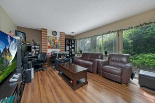 """Photo 3: 2651 WESTVIEW Drive in North Vancouver: Upper Lonsdale Townhouse for sale in """"CYPRESS GARDENS"""" : MLS®# R2587577"""