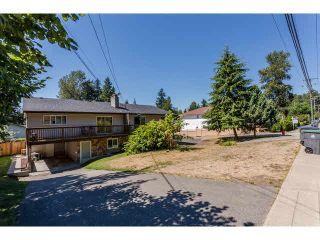 Photo 3: 9537 - 9539 140 Street in Surrey: Bear Creek Green Timbers Duplex for sale : MLS®# F1448706