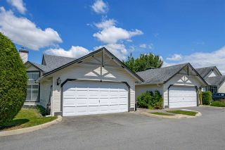 """Photo 2: 109 19649 53 Avenue in Langley: Langley City Townhouse for sale in """"Huntsfield Green"""" : MLS®# R2591188"""